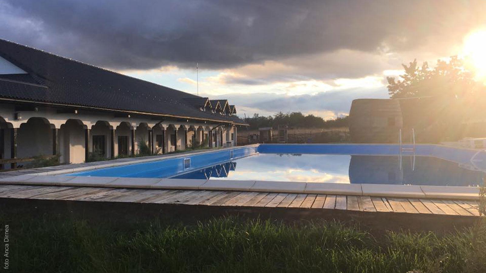 Crama Conacul Ceptura - piscina