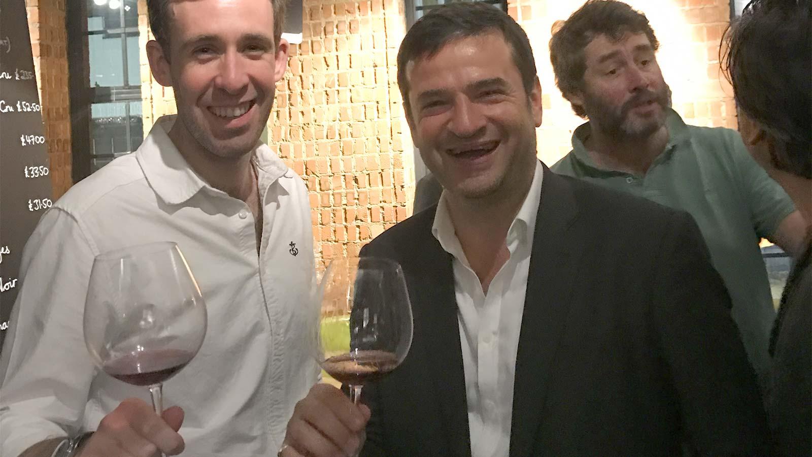 Degustare vinuri in vinoteca Soho din Londra